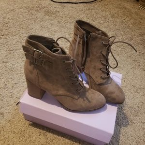 Steve madden. Tan/taupe boots. Never worn.